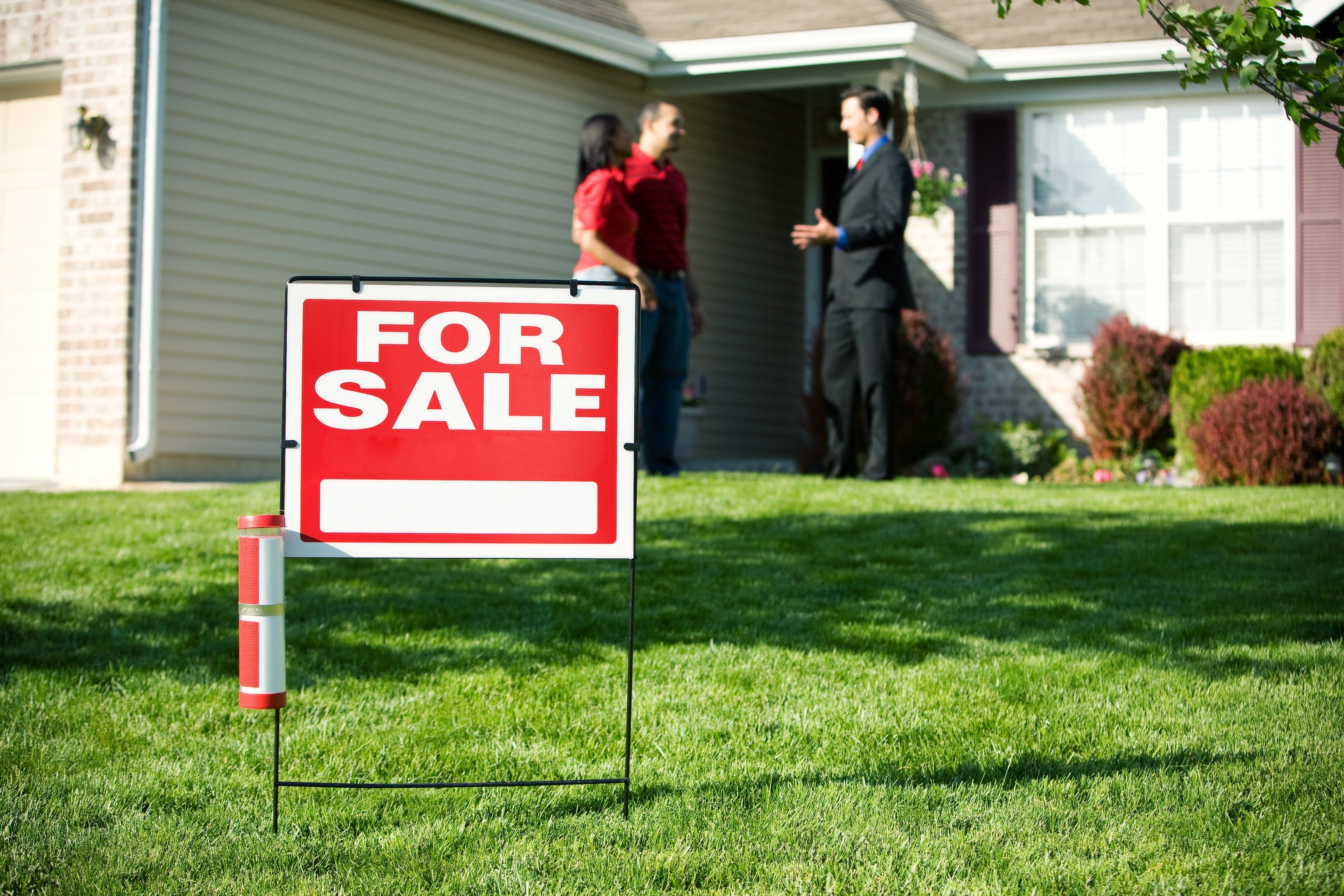 10 Tips to Get a Home Ready For Sale