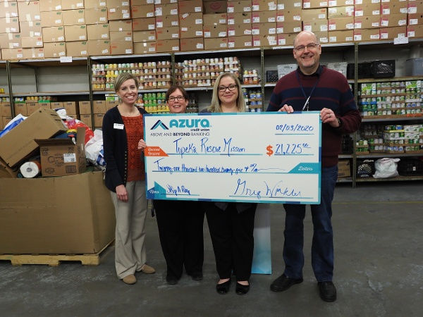 Azura Members Donation to Support the Homeless