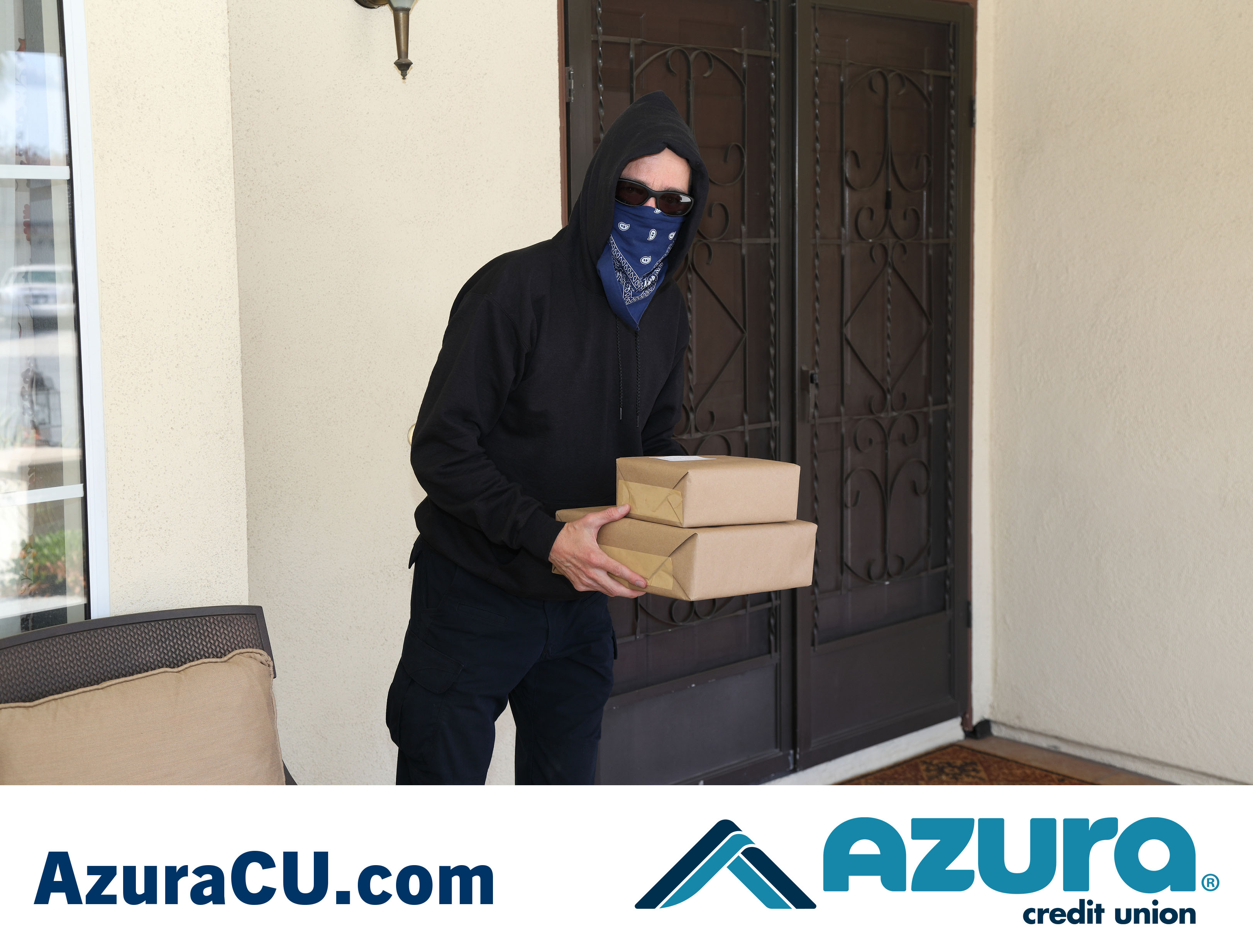 Prevent Porch Pirates this Holiday Season